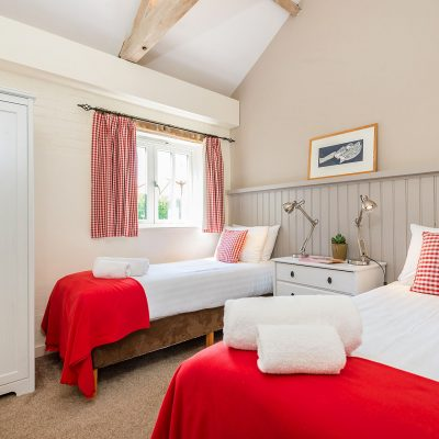 Wagtail Luxury Holiday Cottage Twin Bedroom