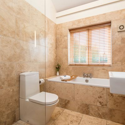 Avocet Luxury Holiday Cottage Bathroom