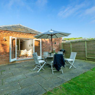 Avocet Luxury Holiday Cottage Terrace