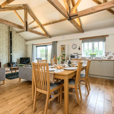 Swallow Luxury Holiday Cottage Dining Area