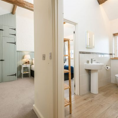 Swallow Luxury Holiday Cottage Bedroom En Suite