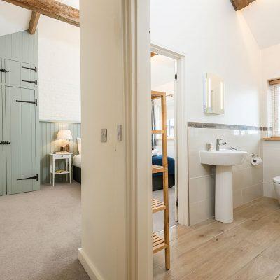 Swallow Luxury Holiday Cottage Bedroom En Suite