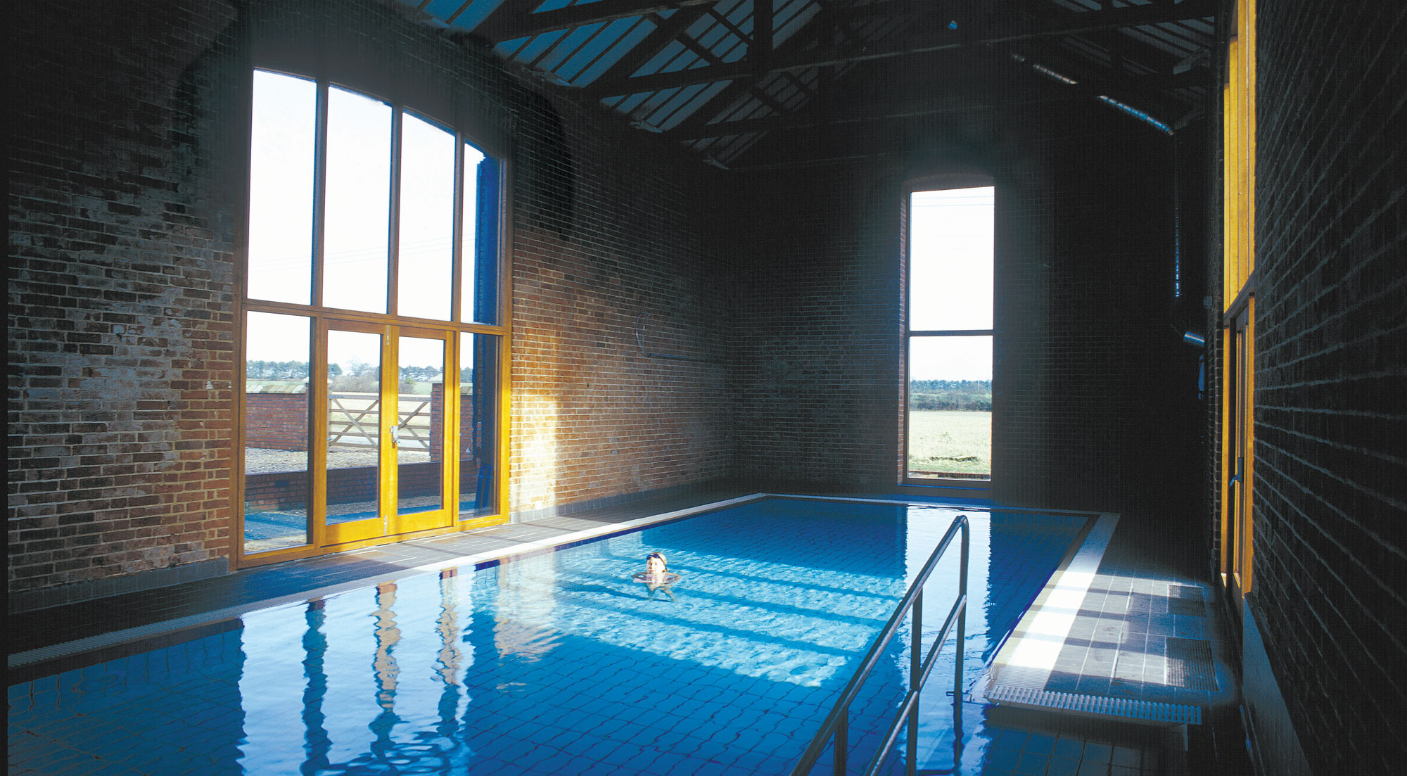 Short breaks in north norfolk norfolk luxury cottages for Luxury cottages with indoor swimming pool
